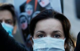 تقرير تلفزيوني يرصد احتجاج أكثر من 100 ألف متظاهر في بولندا احتجاجا على حظر الإجهاض