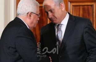 """""""هآرتس"""": عباس لا يخدع أحداً بالكذبة الفظة بنصر فلسطيني بعودة الاتصالات مع إسرائيل"""