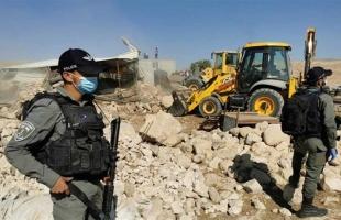 قوات الاحتلال يداهم خربة حمصة ويشرع بتصوير خيام المواطنين