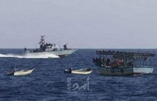 زوارق الاحتلال الإسرائيلي تهاجم مراكب الصيادين مقابل بحر مدينة غزة