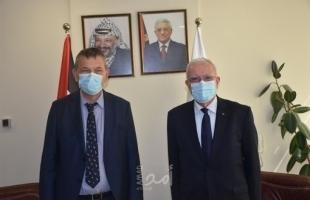 المالكي يلتقي مفوض عام الأونروا في رام الله لبحث الأزمة المالية