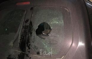 """إصابة الشاب """"نصر نوفل"""" خلال رشقه بالحجارة من قبل مستوطنين شرق رام الله"""