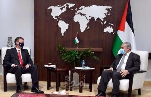 اشتية يؤكد موقف القيادة الفلسطينية بالانفتاح لأي مسار سياسي قائم على القانون الدولي