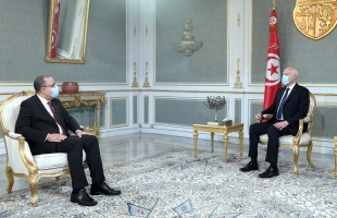 قيادي تونسي: التعديل الوزاري الجديد ينذر بأزمة بين الحكومة والرئاسة التونسية