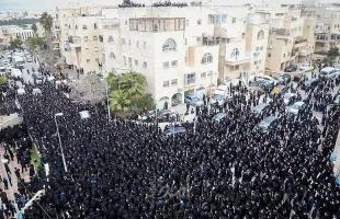 ردود سياسية إسرائيلية غاضبة على مشاركة الآلاف بجنازة حاخام كبير
