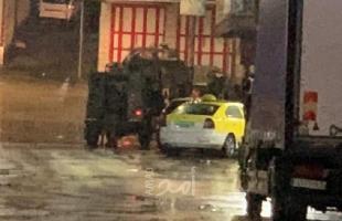 قوات الاحتلال تعتقل شبان من القدس وتداهم منازل المواطنين في الضفة الغربية