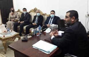 """النائب العام بغزة يتفقد سير العمل بـ""""سرايا"""" نيابة خانيونس"""