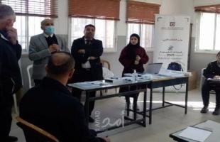 رويترز: الشبان الفلسطينيون يعبرون عن ثقة ضعيفة في أول انتخابات يشهدونها