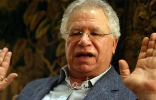 فصائل ومؤسسات فلسطينية تنعى الشاعر مريد البرغوثي