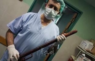 طبيب ماهر ينقذ شاب من الموت في غزة بعد تعرضه لحادث مخيف