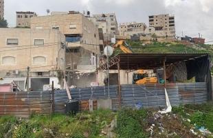 جيش الاحتلال يجبر مقدسيين على تفريغ محتويات منازلهم تمهيداً لهدمها