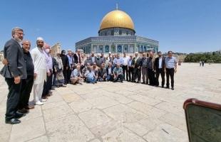 وفد واسع من لجنة المتابعة العليا يلتقي الشخصيات والقوى المقدسية في الأقصى المبارك