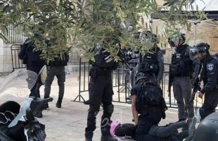 القدس: قوات الاحتلال تعتقل فتى مصاب من العيسوية