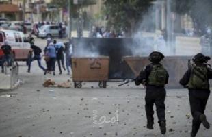 اعتقال أربعة شبان بعد اعتداء جيش الاحتلال والمستوطنين عليهم في الخليل