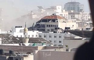 محدث- 4 شهداء وعدة إصابات في القصف الإسرائيلي ببلدة بيت لاهيا ومدينة غزة - صور