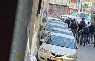 قوات الاحتلال تعتقل مواطنين وتداهم المنازل في القدس والضفة