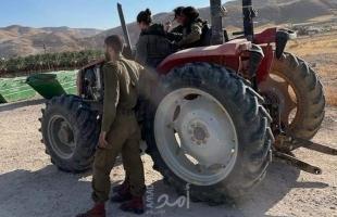 """جيش الاحتلال يستولي على """"جرافة زراعية"""" غرب القدس"""