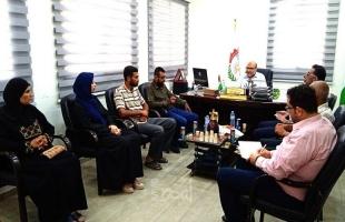 الديمقراطية تزور بلدية البريج وتناقش مشاكل وقضايا المخيم وهموم ساكنيه