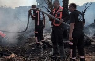 الدفاع المدني يسيطر على حريق اندلع بأرض زراعية وسط قطاع غزة