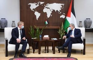 اشتيه يبحث مع المبعوث الأوروبي جهود دعم حل الدولتين