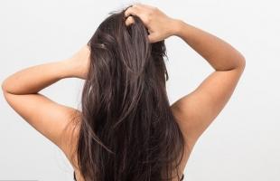 اصنعي بنفسك قناعا لفرد شعرك وترطيبه