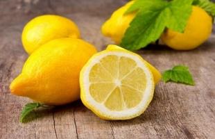 """تناول عصير """"الليمون""""يحسن الهضم ويقوى المناعة"""