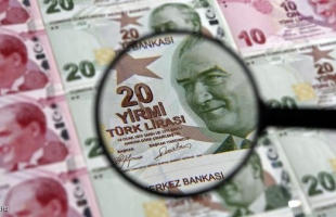 الليرة التركية تسجل أدنى مستوى منذ مايو بعد قفزة في التضخم
