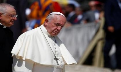 البابا فرنسيس يدعو إلى تشارك اللقاحات مع الدول الأكثر فقرًا وإنهاء النزاعات في دول عربية