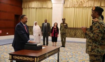 """أول خطاب لرئيس وزراء السودان الجديد """"حمدوك"""" عقب أدائه اليمنين الدستورية"""
