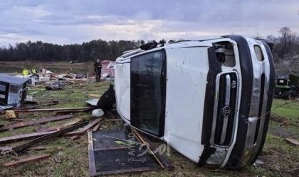 بسبب العواصف الشتوية.. مقتل (10) أشخاص وإلغاء رحلات جوية وانقطاع الكهرباء في الولايات المتحدة