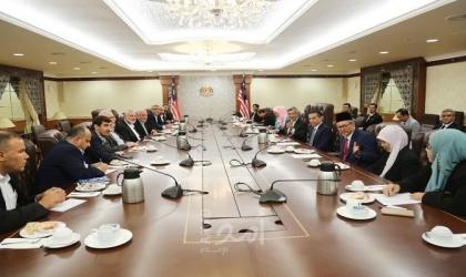 هنية يلتقي رئيس البرلمان الماليزي وقادة أحزاب سياسية - صور