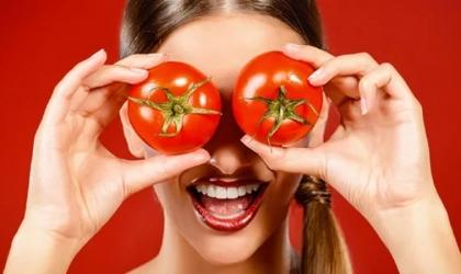 فوائد ماسك الطماطم لبشرتك
