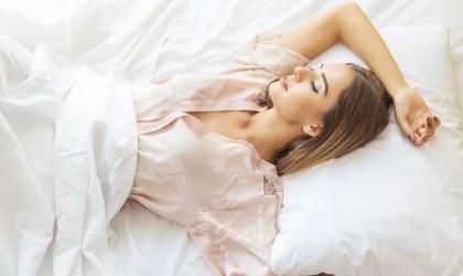 10 أشياء لا تفعليها قبل النوم
