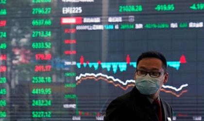 دراسة: بطء التلقيح ضدّ كورونا سيكبّد الاقتصاد العالمي 2300 مليار دولار