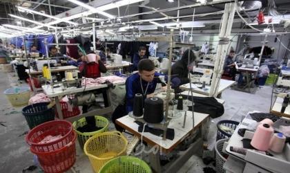نقابة عمال الغزل والنسيج تتابع واقع مصانع الخياطة في قطاع غزة خلال جائحة كورونا