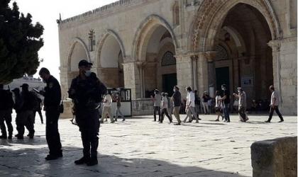 القدس: مستوطنون يقتحمون مقبرة باب الرحمة ويؤدون طقوسا قرب باب الأسباط