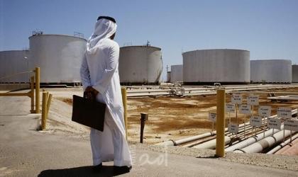 وزير الإعلام السعودي: إيرادات النفط لا تكفي الرواتب!