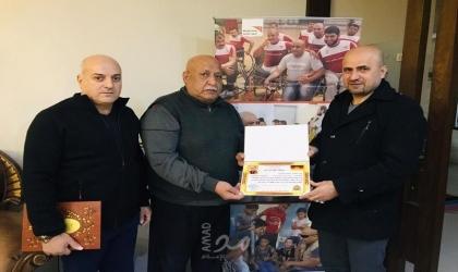 """أكاديمية السلام في ألمانيا تمنح الأسير الفلسطيني""""محمد الحلبي"""" شهادة الدكتوراه الفخرية"""