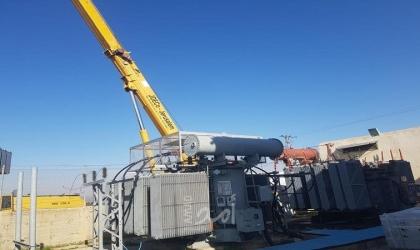 كهرباء القدس تركب محول جديد في محطة النبي صالح لاستقرار التيار الكهربائي
