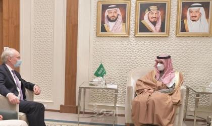 وزير الخارجية السعودي يبحث مع المبعوث الأمريكي لليمن الجهود المشتركة لتسوية الأزمة