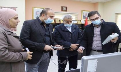 استلام جهاز تنظير للأنف والحنجرة مقدم من أهالي قلقيلية في دولة الكويت