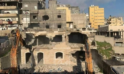 الخليل: قوات الاحتلال تخطر بهدم خمسة منازل شرق يطا