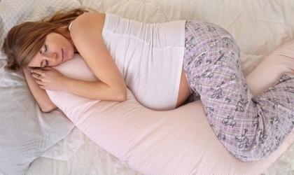 """دراسة تحذر: متحور """"دلتا"""" يشكل خطرا """"شديدا"""" على الحوامل"""