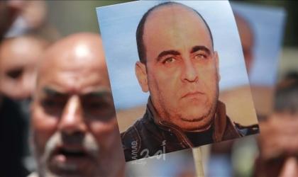 عائلة نزار بنات تقاضي السلطة الفلسطينية أمام المحاكم الأوروبية