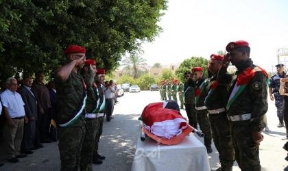 """مراسم استقبال رسمية لجثمان الراحل عضو """"التنفيذية"""" الأسبق محمد ملحم في أريحا"""