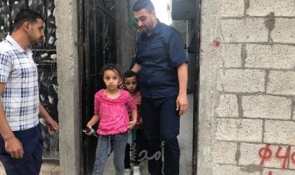 العثور على طفلين تم نسيانهم في شنتة سيارة بغزة- فيديو وصور