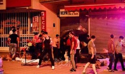"""الاعتداء على محال تجارية للاجئين """"سوريين"""" في العاصمة التركية- فيديو"""