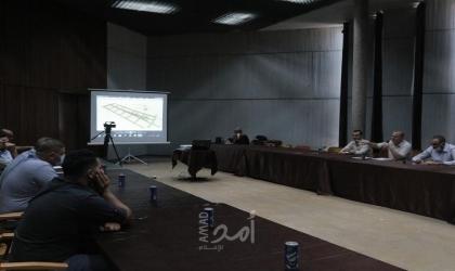 بلدية غزة تعقد ورشة لتنظيم موقف السيارات في شارع عمر المختار