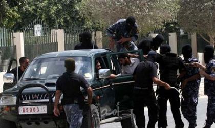 """شرطة حماس توضح ملابسات أحداث جامعة الأزهر وحظر """"الكوفية""""!"""