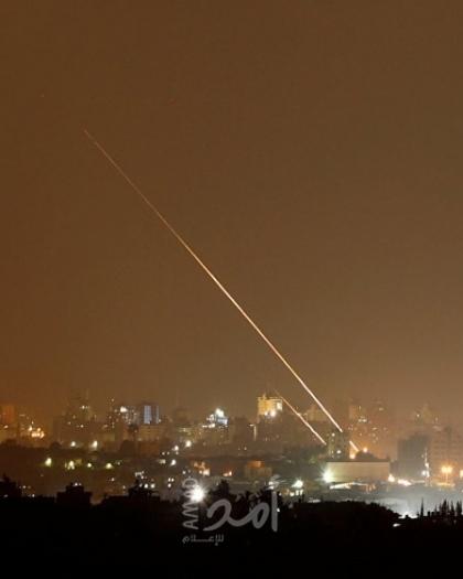 """بيرتس يشترط: الخطوات الاقتصادية مع حماس مقابل نزع """"صواريخ غزة""""!"""